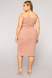 Taliyah Off Shoulder Dress - Mauve
