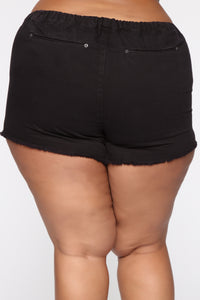 Actively Looking Shorts II - Black