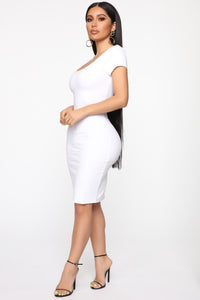 Justynia Body Sculpting Midi Dress - White