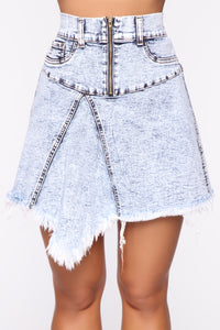 Lenon Mini Denim Skirt - Acid Wash Blue