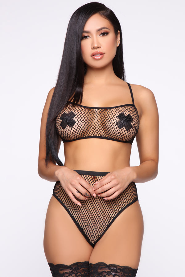 607455327 Give You The Look Fishnet 2 Piece Set - Black