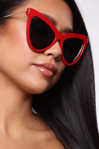 Highway Run Sunglasses - Red Angle 2