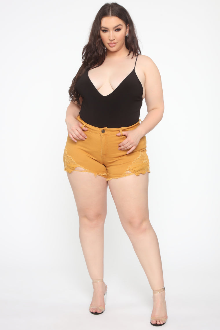 You Got Me Distressed II Shorts - Mustard