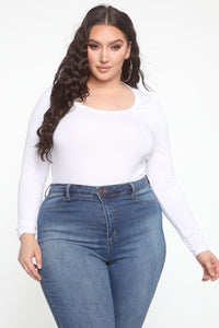 Daisy Scoop Neck Long Sleeve Top - White