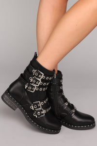 Holy Warmer Combat Boot - Black