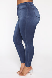 Eva Super Soft Curvy Skinny Jean - Medium Wash Angle 12