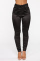 Booty Bump Ruched Leggings - Black
