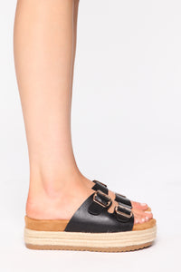 Take A Look Flat Sandals - Black Angle 3