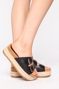 Take A Look Flat Sandals - Black Angle 1