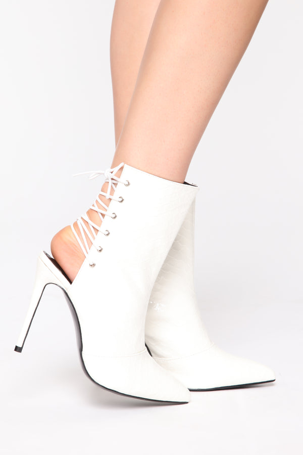 3c0a667d3004 Fast Lane Bootie - White
