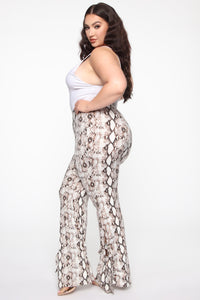 Queen Of The Jungle Flare Pants - Snake Angle 10