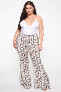 Queen Of The Jungle Flare Pants - Snake Angle 8