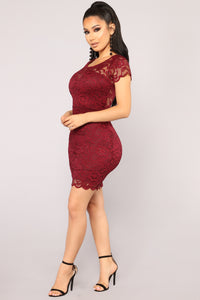 Cassi Lace Dress - Burgundy