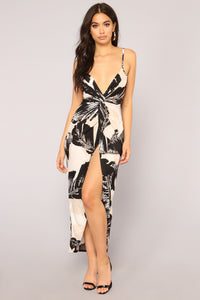 Anywhere But Here Dress - Black