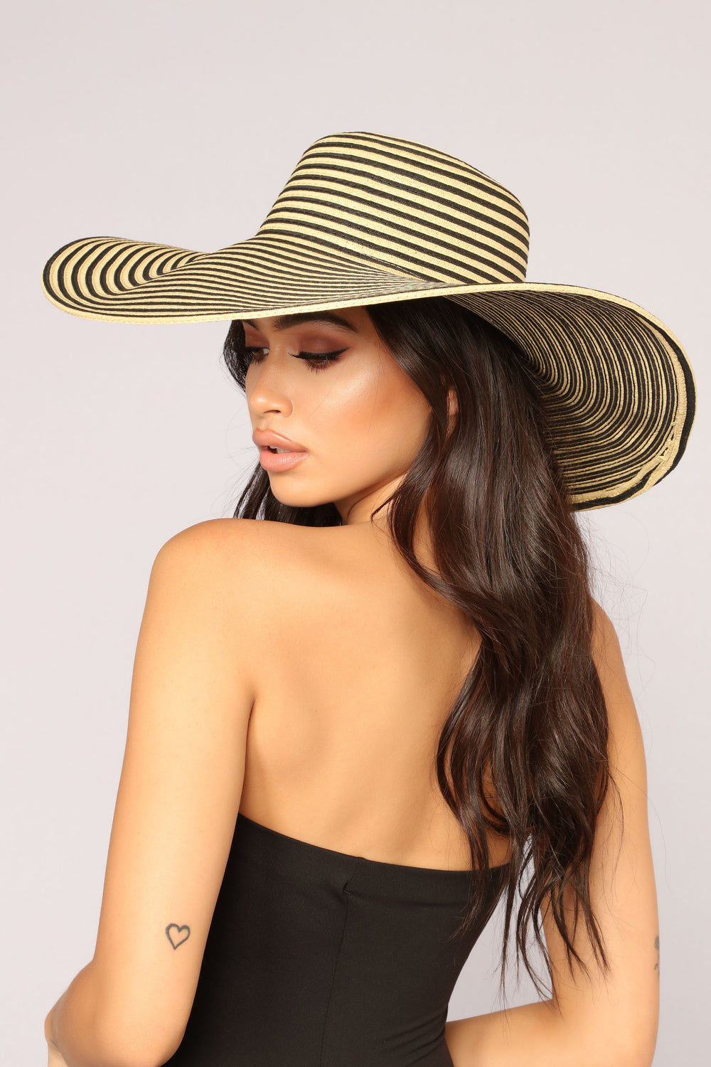 Hypnotize You Sun Hat - Black