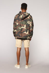 Stay Incognito Windbreaker - Camo