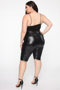 Do My Own Thing Biker Shorts - Black Angle 12