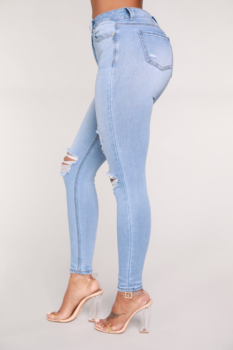 In The Clouds Skinny Jeans - Light Blue Wash