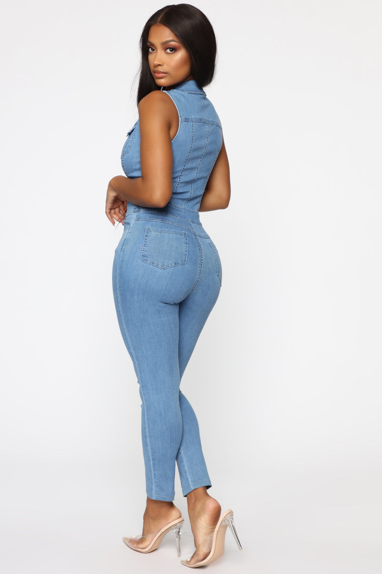 Hold Me By The Heart Denim Jumpsuit - Light Wash