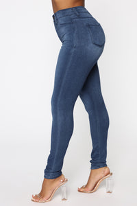 Eva Super Soft Curvy Skinny Jean - Medium Wash Angle 4