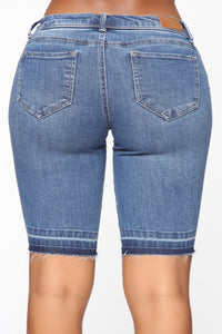 Cool It Now Bermuda Short - Medium Blue Wash
