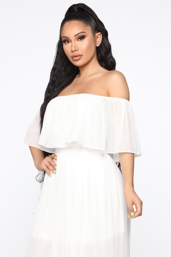 a4ad0acdb8 Match In Heaven Pleated Maxi Dress - White
