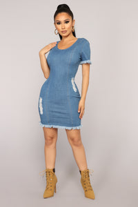 Queen Of The Highway Denim Dress - Light Wash