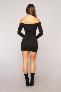 Matter Of Fiction Off Shoulder Dress - Black