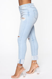 Carrie High Rise Jeans - Light Blue Wash Angle 4