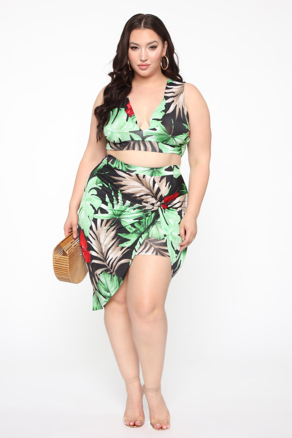 f77f127877ac Plus Size & Curve Clothing | Womens Dresses, Tops, and Bottoms