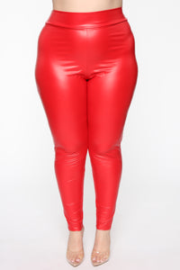 Party In The Back Ruched Leggings - Red