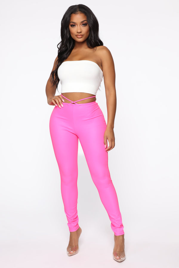 6bfe74f6e Crossing Paths Reflective Leggings - Neon Pink