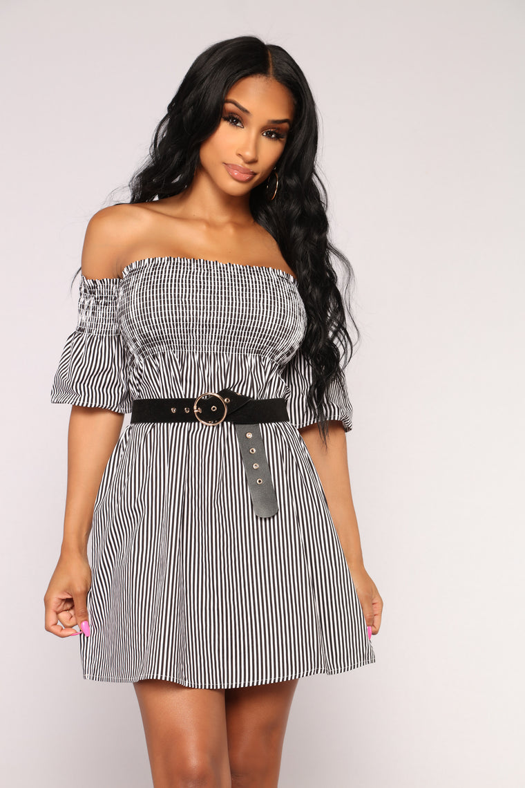Fresh Breeze Smocked Dress - Black/White
