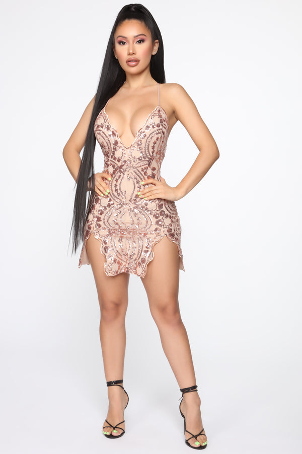430bda83be09 Dazzle On The Daily Sequin Mini Dress - Rose Gold