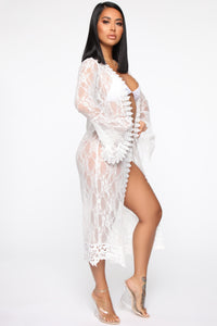 Balcony Views Lace Robe - Ivory