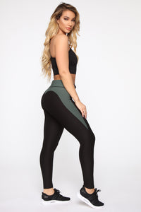 Peach Perfect Premium Active Leggings - Black/Olive