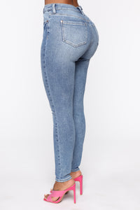 Need A Pick Me Up Ultra High Rise Jeans - Light Blue Wash Angle 5