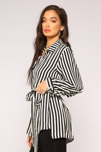 Between The Lines Tunic - Black