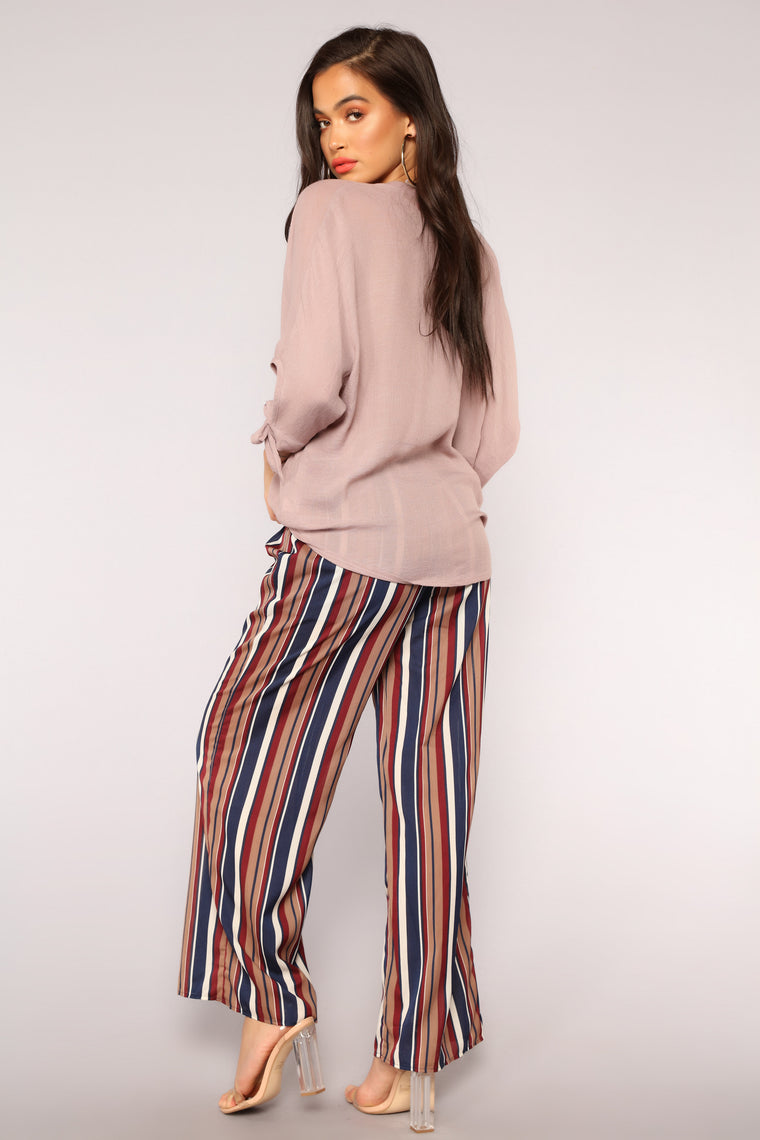 Put You In Line Stripe Pants - Navy