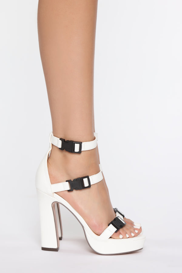 0470619837 High Heels for All Occasions - Stilettos, Platforms & Pumps
