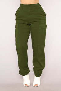 Command Me Cargo Pants - Olive