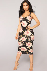 Need More Flowers Dress - Black
