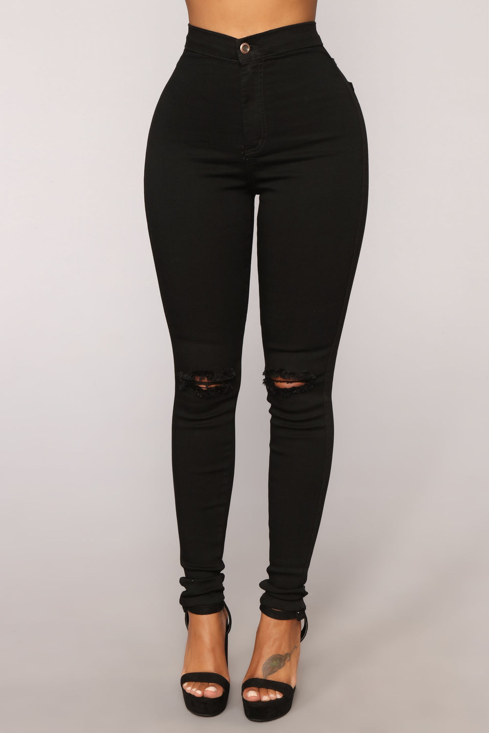 Sky's The Limit Distressed Jeans - Black