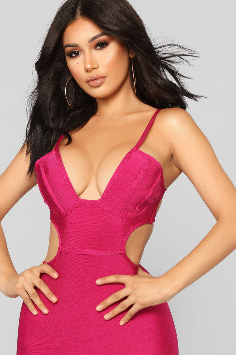 Running Back Dress - Magenta