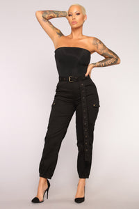 Cargo Chic Pants - Black Angle 7