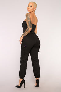 Cargo Chic Pants - Black Angle 12