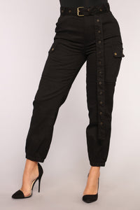 Cargo Chic Pants - Black Angle 9