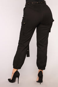 Cargo Chic Pants - Black Angle 11