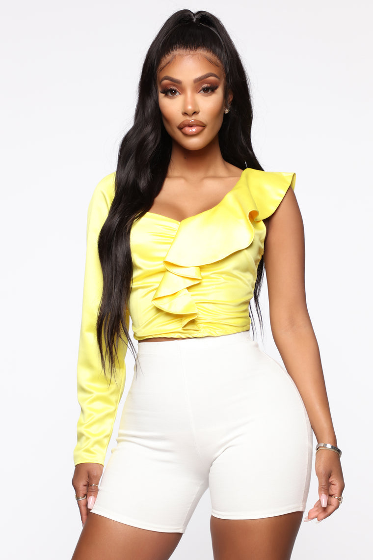 Star Gazed Ruffle Top - Yellow