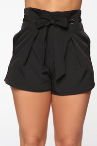 In The Loop Shorts - Black